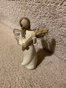 "COLLECTIBLE WILLOW TREE ""ANGEL OF AUTUMN""  Figurine Demdaco 2001"