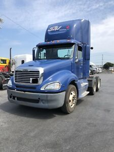 2009 freightliner CL120 Columbia day cab