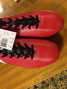 Adidas 8.5 soccer cleats MINT