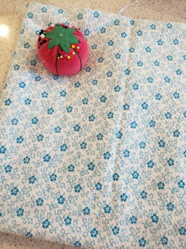 Vintage VTG 1970s Cotton Plisse Fabric with Flowers - 2.5 Yards x 44 WOF