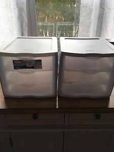 2 stackable sets of 3 drawers