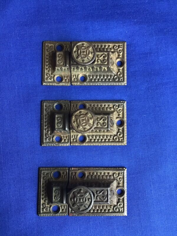 ANTIQUE 1800's LOT OF 3 BRASS VICTORIAN STYLE CABINET CUPBOARD LATCH & KEEPER