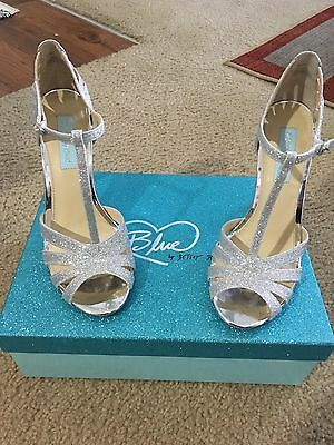 Blue by Betsy Johnson Tee Glitter Dress Sandals in Silver