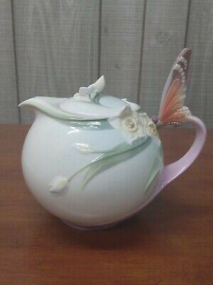 XP1878 Franz Papillon FLORA & FLUTTER Porcelain Butterfly Decorative TEAPOT