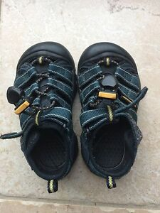 Keen sandals. Toddler Size 8