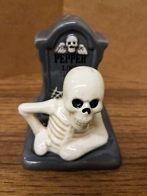 NEW! Grave Stone Salt & Pepper Lies Here Shakers Halloween Decor Skeleton Skull