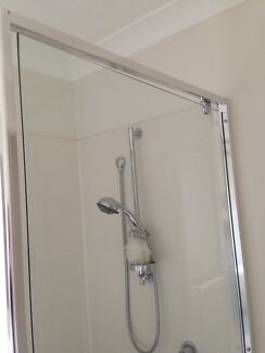 Shower glass door - frameless Griffin Pine Rivers Area Preview
