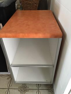 Shop counter or service bench