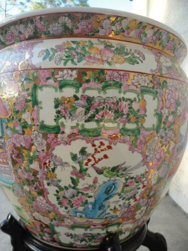 CHINESE LARGE FAMILLE ROSE PORCELAIN FISH BOWL PLANTER POT VASE& WOOD STAND