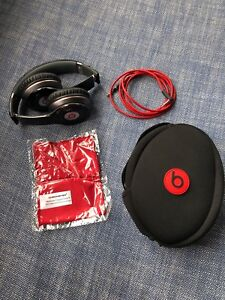 Beats by Dr. Dre Solo HD wired headband headphones