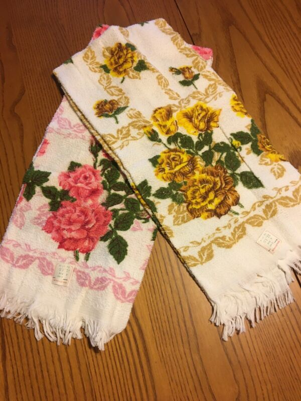 Lot Of 2 Vintage Floral Bath Towels Not Matching 1 Pink 1 Yellow Flowers