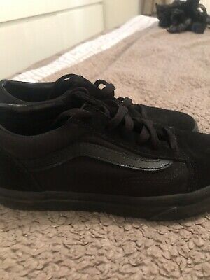 Vans Old Skool Junior Trainers size 3 Triple Black