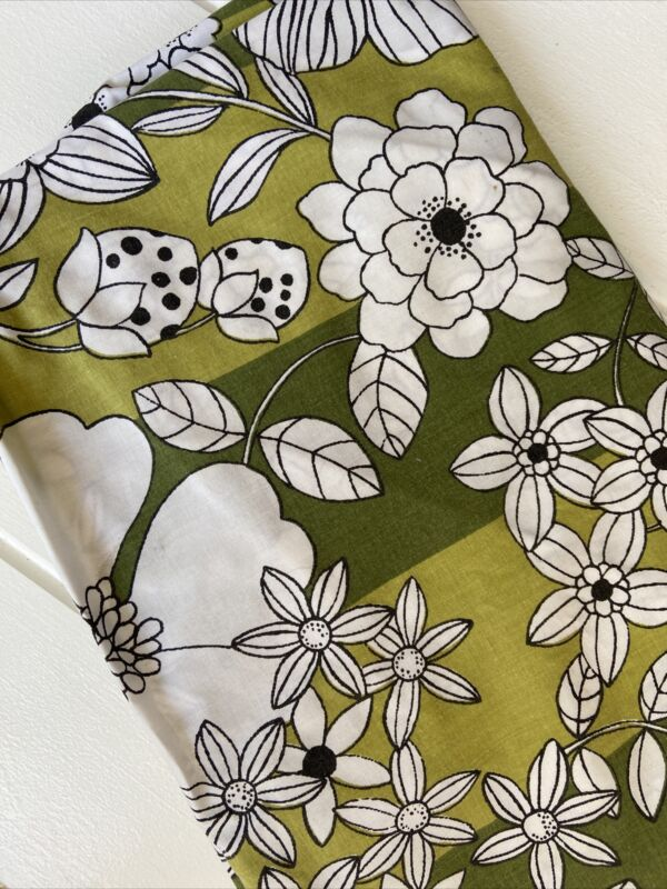 Vintage WAMSUTTA Mod Floral Berry Avacado Green Black TWIN FITTED Sheet
