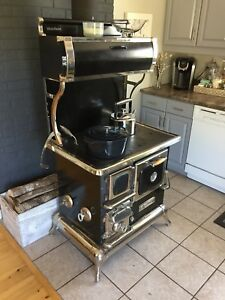 Heartland Sweetheart wood stove 2009 model.