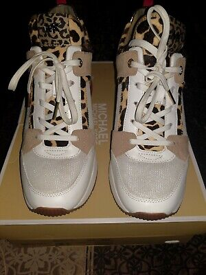 Michael Kors Sneakers size 9