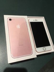 iPhone 7 rose gold 32g (bell/virgin)