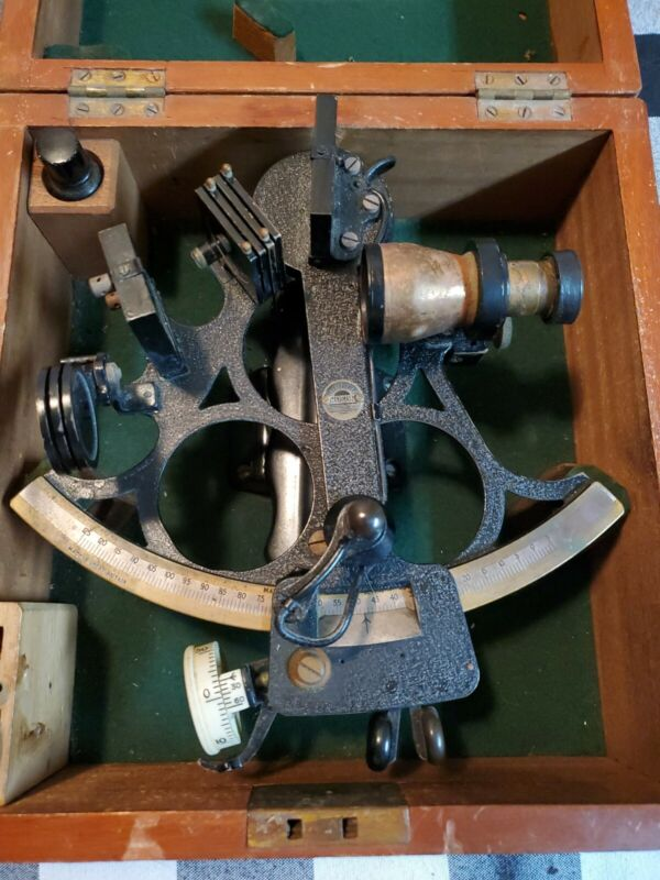 ANTIQUE SEXTANT HUSON - ENGLAND - 1945 - HENRY HUGHES AND SON - WARTIME CASE