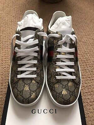 women's ace GG supreme gucci sneakers with bees