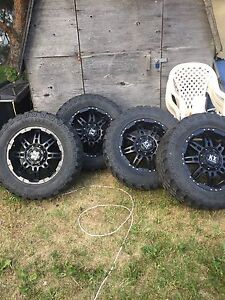 "20"" KX Multi Fit 6 Bolt Wheels and 35"" Mud Tires"