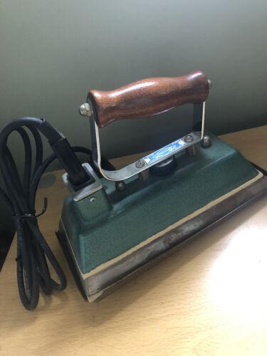 Dowsing Thermostaic Snooker Table Iron