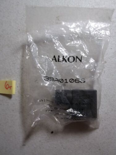 NEW IN PKG ALKON SOLENOID CONNECTOR RECEPTACLE 39A01066  (337)