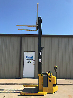 2003 Yale Walkie Stacker - Walk Behind Forklift - Straddle Lift Only 3737 Hours