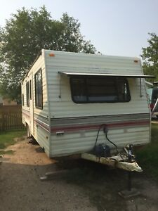 TRAVEL TRAILER! $4000 obo! Moving in a week, need to sell.