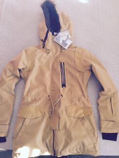 Women's snow jacket Croudace Bay Lake Macquarie Area Preview