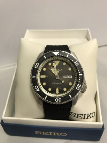 Seiko 5 Men s Black Silicone Automatic Watch - SRPD95 MSRP 295 - $135.83