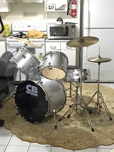 Beautiful almost brand new drum set.