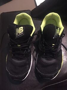 New Balance Boys Shoes. Size 8.5