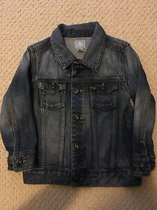 GIRL'S SIZE 4 GAP JEAN JACKET