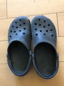 Men's/boys size 7 crocs