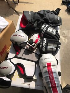 Hockey equipment Bauer youth large