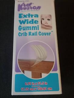 Gummi cot rail cover