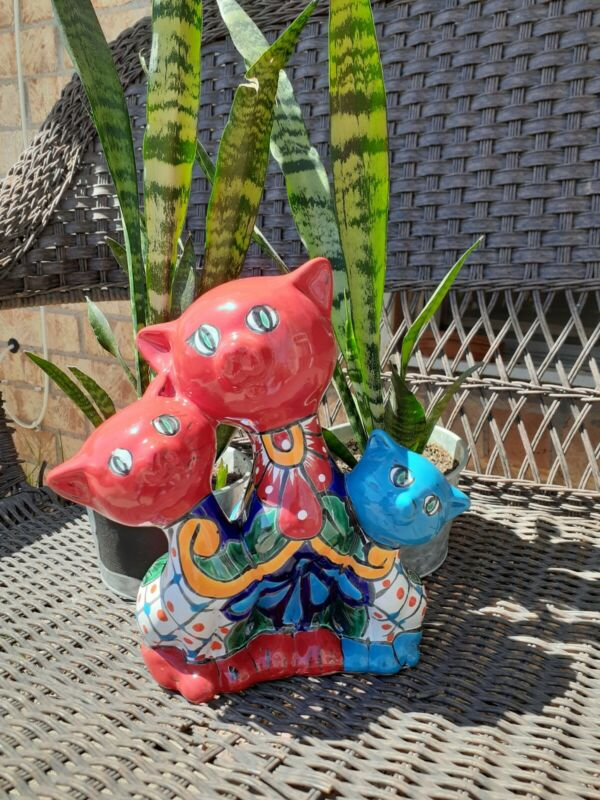 Mexican Talavera Yard Garden Art Pottery Mommy Cat With Babies