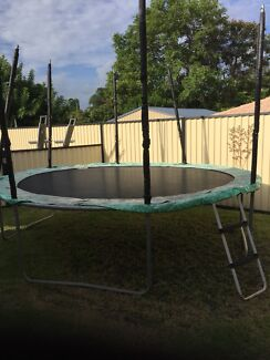 Trampoline 14ft awesome steal