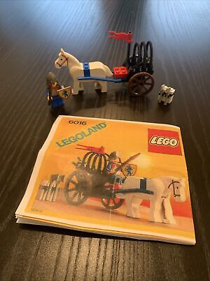 LEGO 6016 Knight's Arsenal Castle Vintage 1988 LEGOLAND Minifig & Lion Shield!