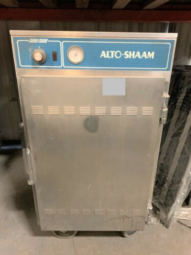 Alto-Shaam 1000-S Halo Heat® 1/2 Height Insulated Mobile Heated Cabinet