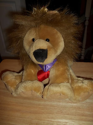 Hallmark King of Hearts sitting Lion Plush with Crown & Heart Ribbon - King Of Hearts Crown