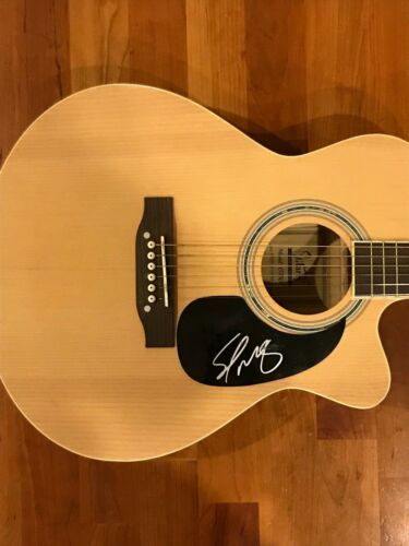 * SCOTTY MCCREERY * signed autographed acoustic guitar * FIVE MORE MINUTES * 3