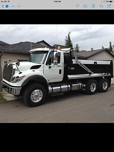 2014 International 7500 gravel truck 6x4