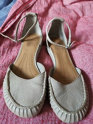Clarks active air ladies shoes size 5 1/2D UK, Beige real leather Good condition