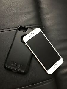 iPhone 7 Brand New 32 Gigs! OtterBox Case!