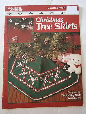 Christmas Tree Skirts Knit Crochet Pattern Candy Cane Train NOEL Bethlehem Angel ()