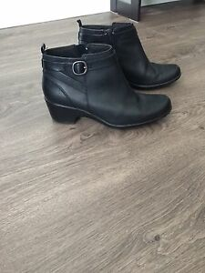 Black ankle boots (booties) size 9M