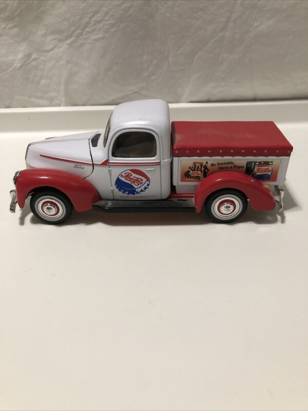 1940 FORD PEPSI COLA PICK UP TRUCK DIECAST GOLDEN WHEEL #MS13