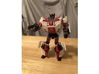 Transformers Generations RED ALERT Complete Universe Deluxe