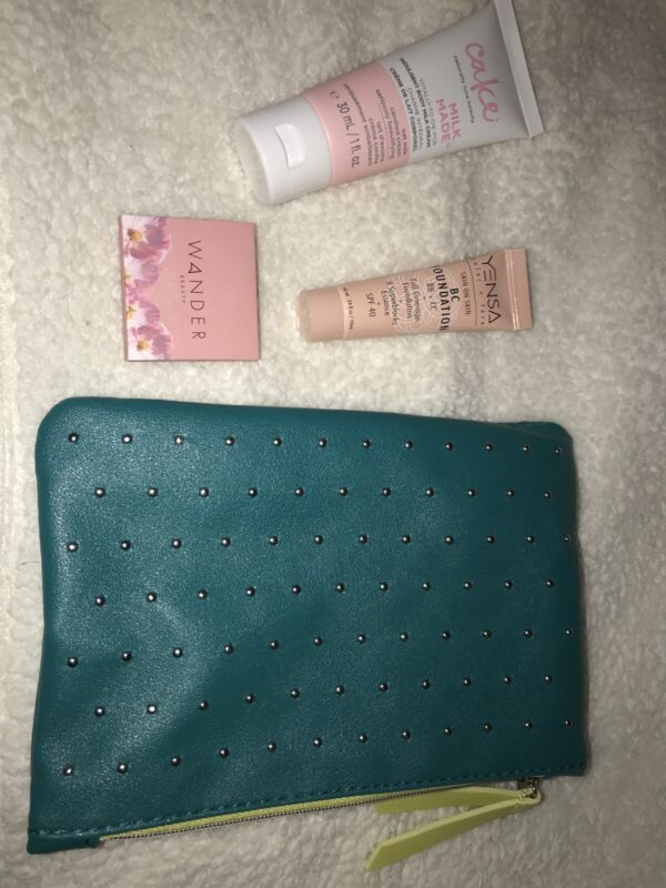 New Ipsy Glam Bag March 2020 Bag Turquoise, Green, Studs, Zipper Free Ship!