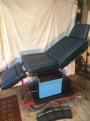Midmark 111 Examination Obgyndermatology Table Fully Functional Works Great